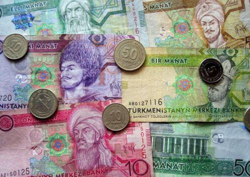 В Туркменистане на черном рынке резко вырос курс доллара