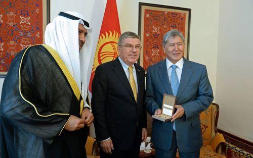 Атамбаев и Бах2