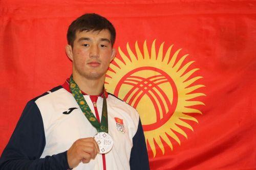 узур жусупбеков. медаль