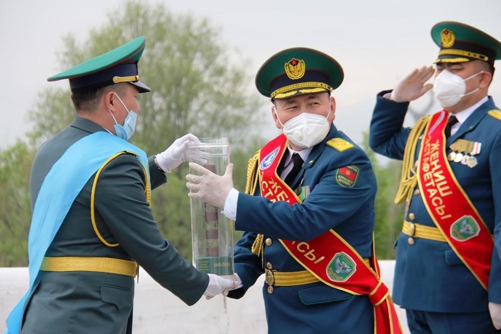 фото казахстанской символики дня победы правило