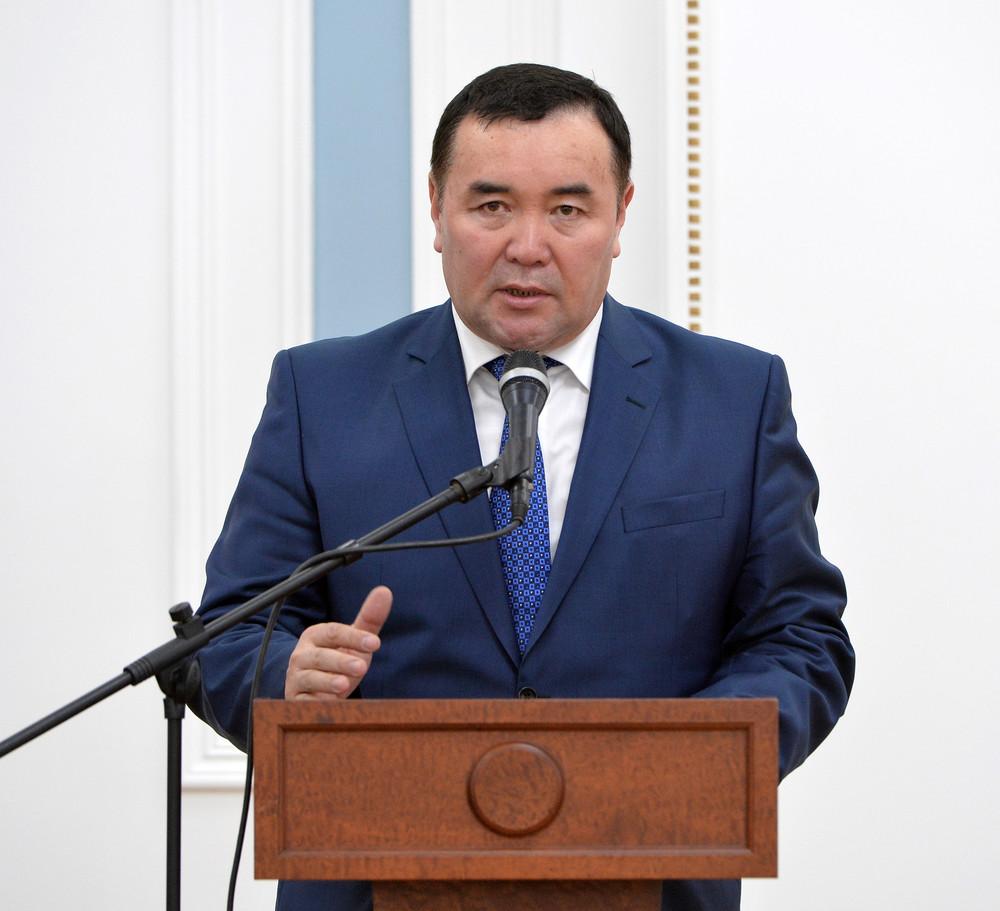 Глава Госслужбы миграции Болотбек Ибраимжанов
