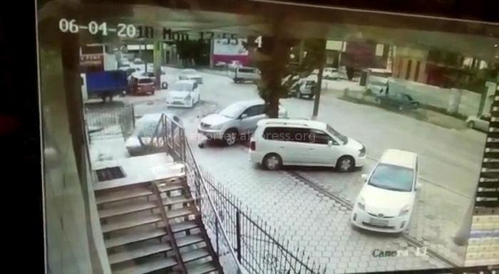 Видео — В Бишкеке на Жибек Жолу—Тимирязева столкнулись «Ниссан» и «Тойота»