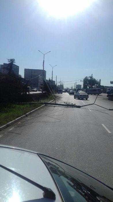 «Бишкексвет»: Упавший столб на Южной магистрали-Садырбаева восстановлен и работает в штатном режиме