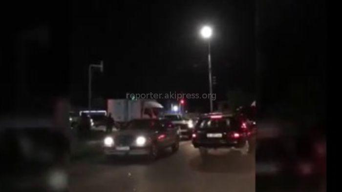 Житель: На Южной магистрали образовалась страшная пробка (видео)