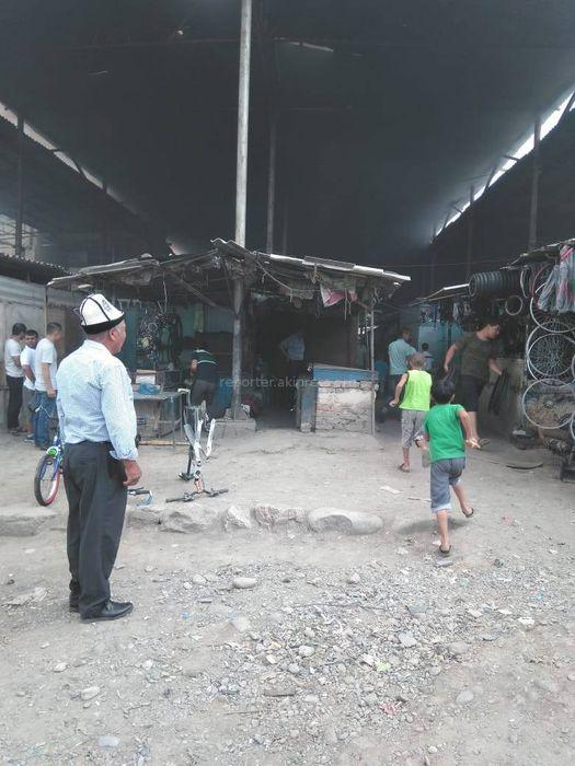 На велорынке в Оше произошел пожар (фото)