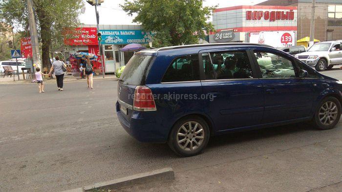На пересечении улиц Льва Толстого и Термечикова нет дорожной разметки (фото)
