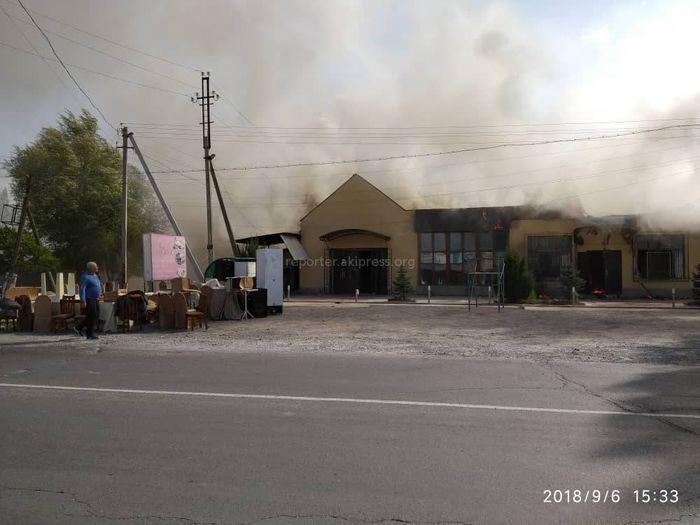 В Ивановке горит кафе <i>(фото, видео)</i>