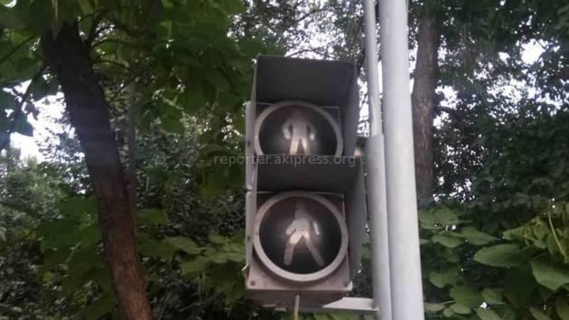 В Оше на пересечении улиц Курманжан Датки и Заднепровской не работает светофор