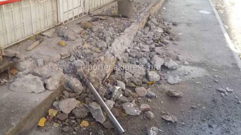 Лестница на тротуаре ул.Суюнбаева демонтирована (фото)