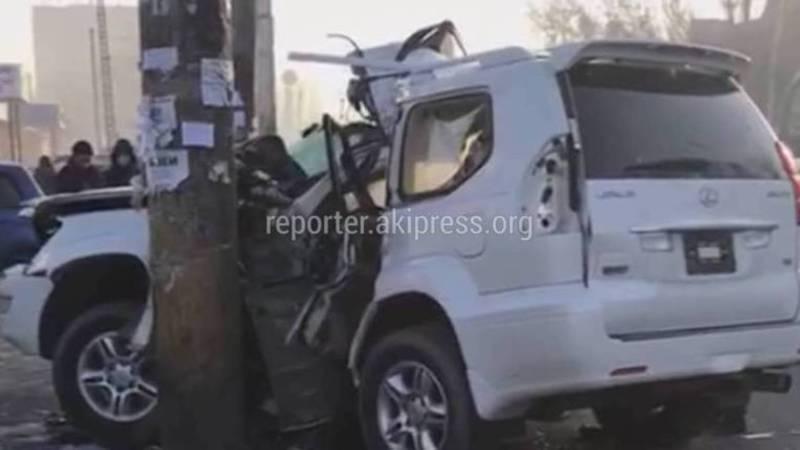 Видео — Как спасатели МЧС вытащили пострадавшую в ДТП на Ден Сяопина-Интергельпо