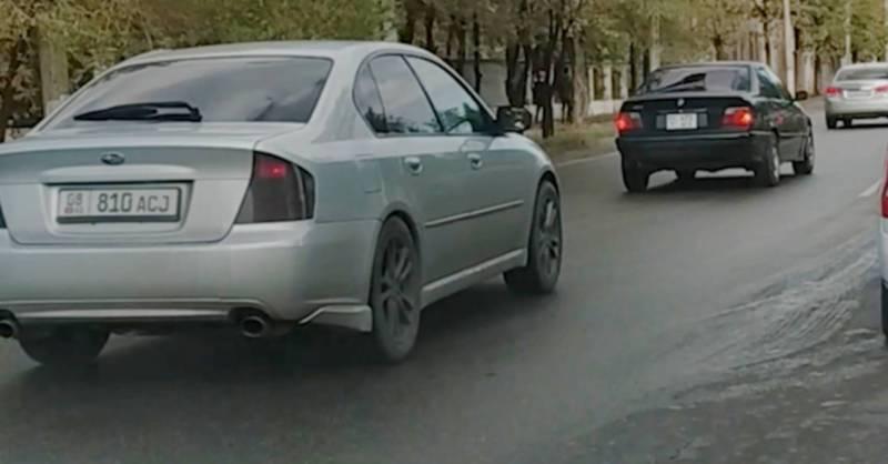 На улице Бакаева водители едут по встречной полосе (видео)