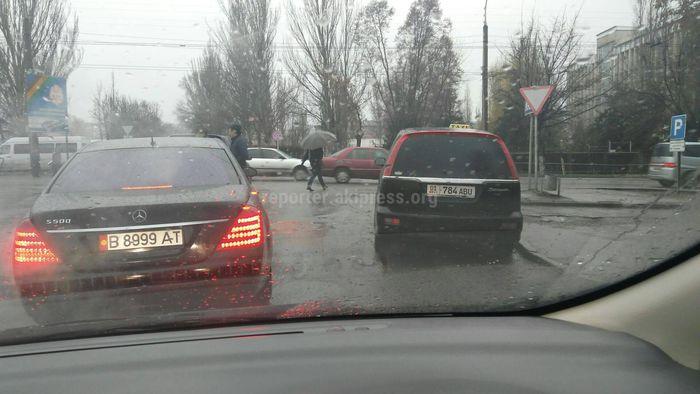 Ул.Карадарьинская постоянно занята таксистами, - горожанин (фото)