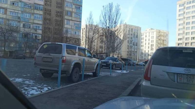 Законно ли установлены парковочные барьеры в 12 мкр?