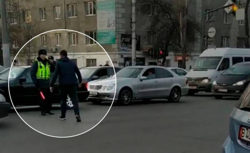 Водитель «Камри» «наехал» на патрульного милиционера. Подробности разборок на перекрестке