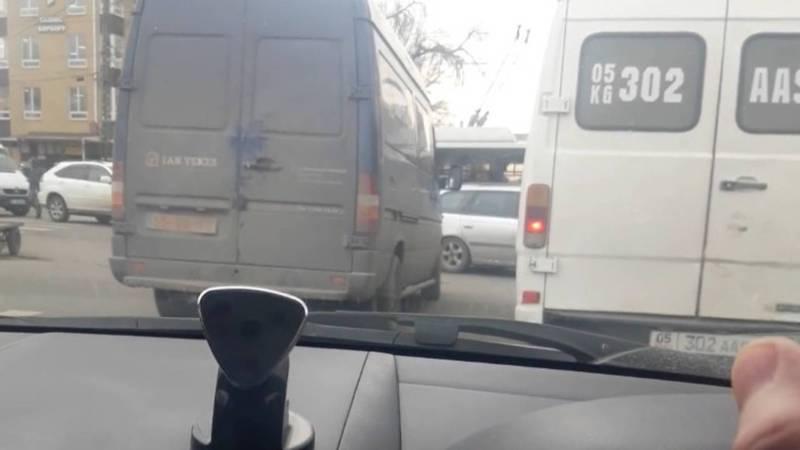 На Московской-Кулиева не работает светофор. Видео