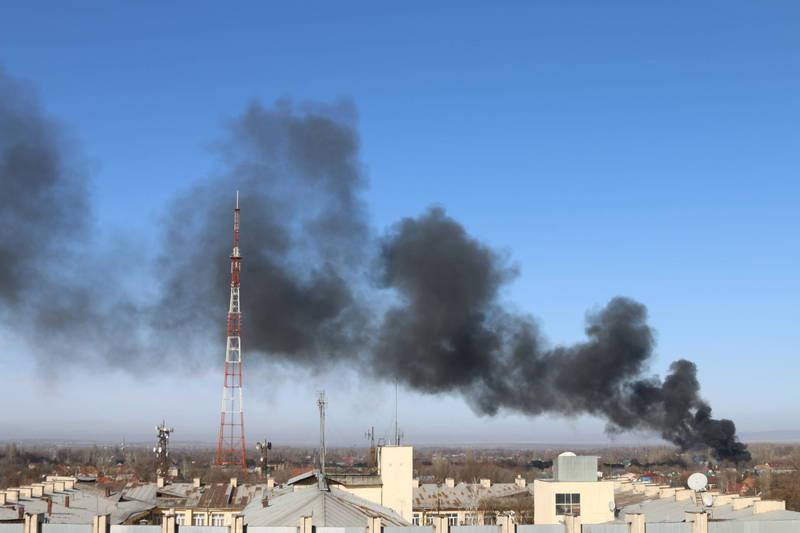 Крупный пожар на окраине Бишкека