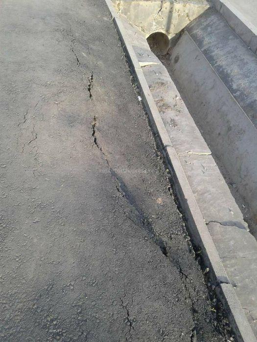 Жители Арча-Бешика вновь жалуются на некачественное асфальтирование тротуаров ул.Куюкова (фото)