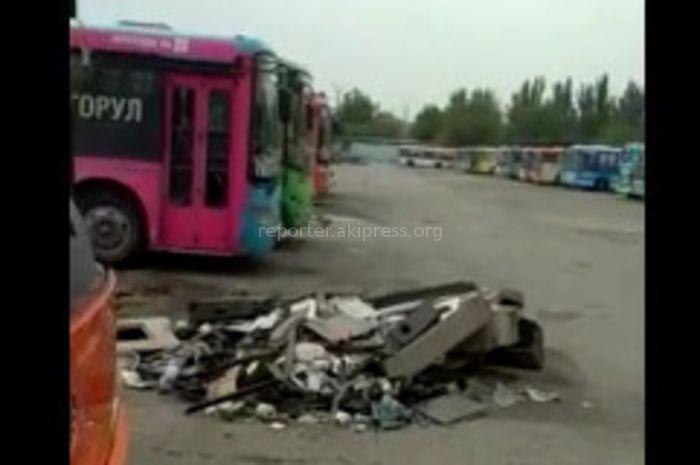 Мэрия Бишкека: Вышедшие из строя автобусы на территории автопарка готовятся к списанию