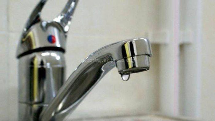 Бишкекчанин: В доме №82 по ул.Чуйкова нет питьевой воды