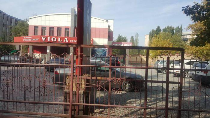 На месте салона красоты на территории центрального морга в Бишкеке должны были построить медцентр, - Минздрав