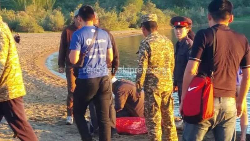 Фото с берега Иссык-Куля, где утонул 15-летний мальчик