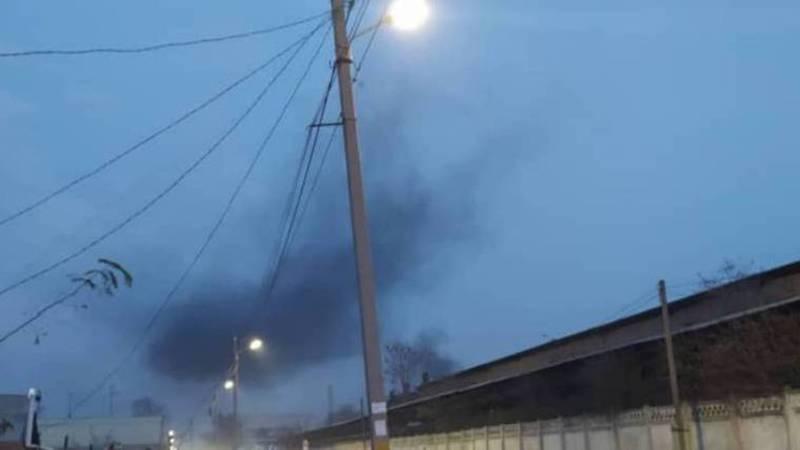 Жители ул.Жамгырчинова жалуются на дым и неприятный запах со стороны завода