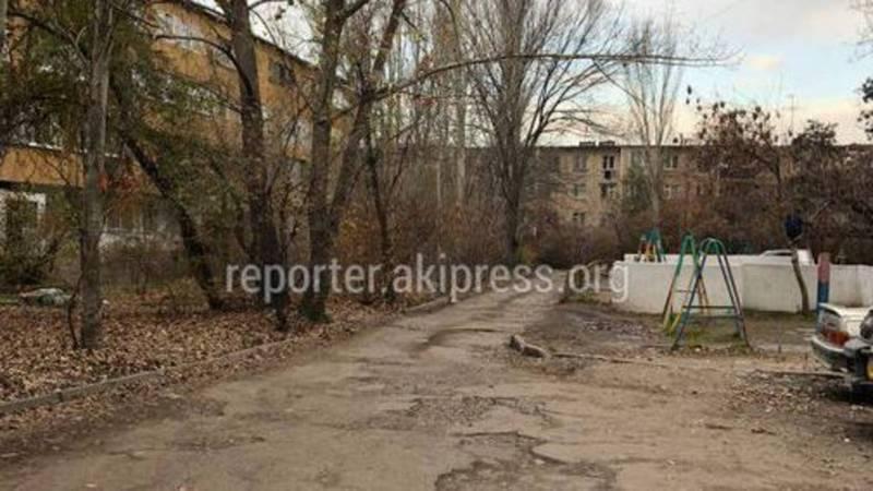 Мэрия: По поводу ремонта дорог жителям 8 мкр нужно обратиться с заявлением в Октябрьский район