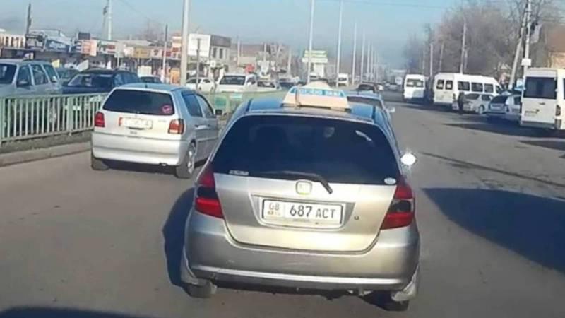 На ул.Курманжан Датки водитель «Хонды» создал аварийную ситуацию, за ней штрафы на 26 тыс. сомов (видео, фото)