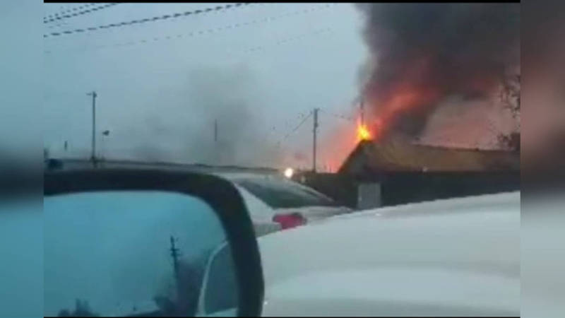 В селе Аламедин сгорел мебельный цех