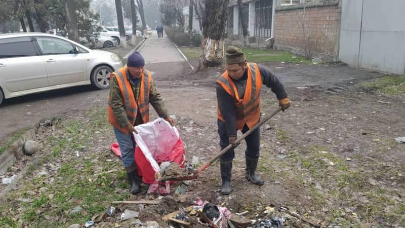 Мэрия прокомментировала жалобу горожанина на грязный тротуар на улице Фрунзе