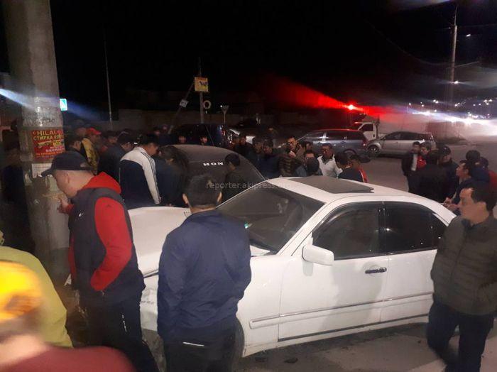 В мкр Джал столкнулись три машины <i>(фото)</i>