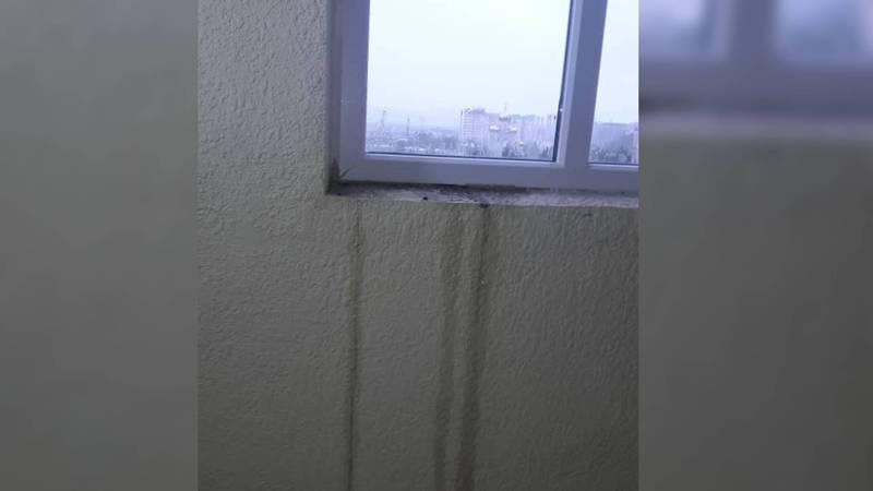 Фото — Дождь затопил новый дом в Бишкеке, построенный для военнослужащих