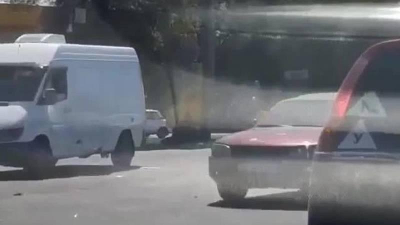 На пересечении Дэн Сяопина - Садыгалиева произошло ДТП. Видео
