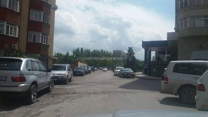Дорога во дворе на пересечении проспекта Ч.Айтматова и улицы А.Масалиева будет отремонтирована до 1 июня