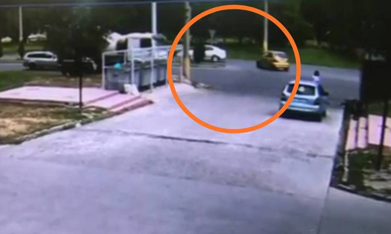 Момент ДТП на Чолпон-Атинской попал на видео