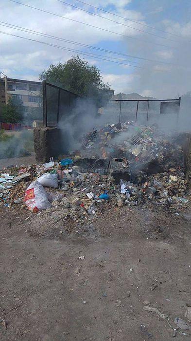 В городе Таш-Кумыр сжигают мусор на территории мусорной площадки, - житель (фото)