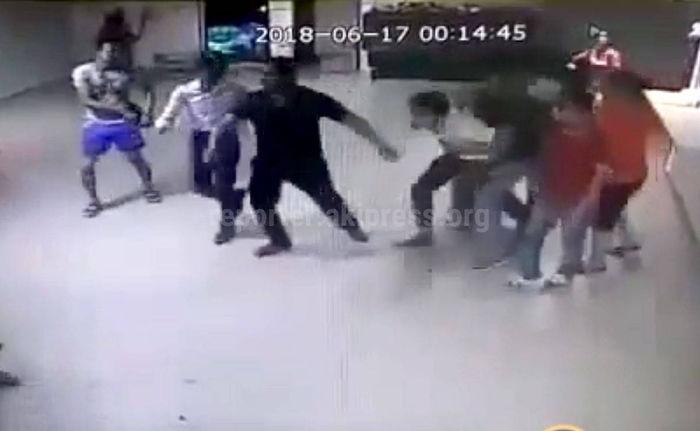 Видео — В отеле в Турции произошла драка с участием кыргызстанцев, двое из них в реанимации
