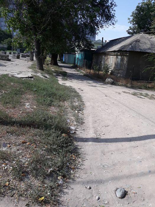 Горожанка просит сделать арыки и тротуары во время ремонта дорожного полотна по улице Уметалиева