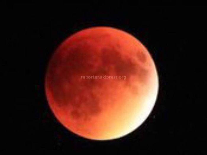 Фото, видео — Лунное затмение в кадрах бишкекчан