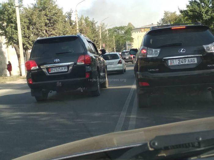 Выезд на встречку на ул.Бакаева: Почему сотрудники УОБДД не следят за порядком?
