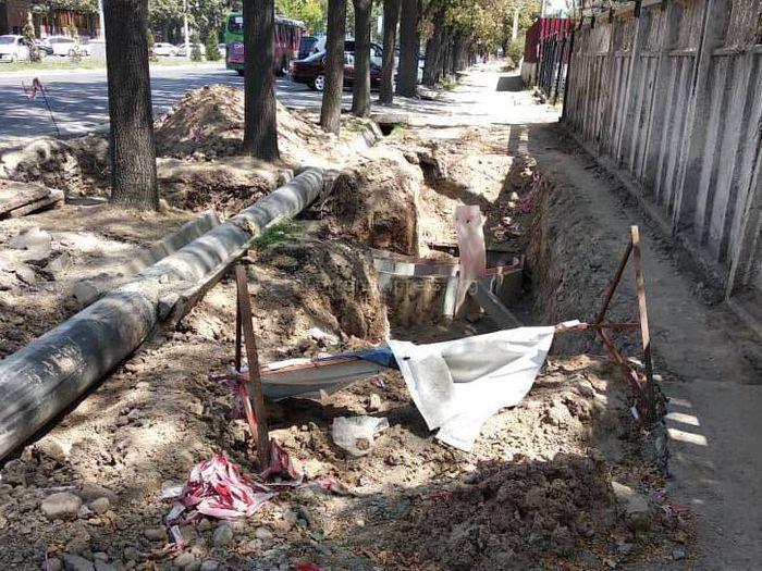 Когда завершат земляные работы на тротуаре проспекта Чуй?