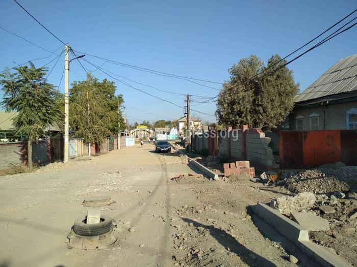 Когда планируют завершить ремонт дороги на улице Волкова?