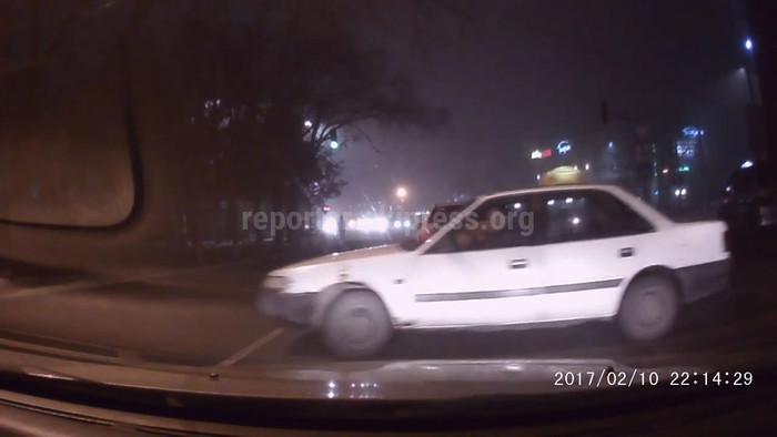 Видео подборка нарушений ПДД водителями на дорогах Бишкека