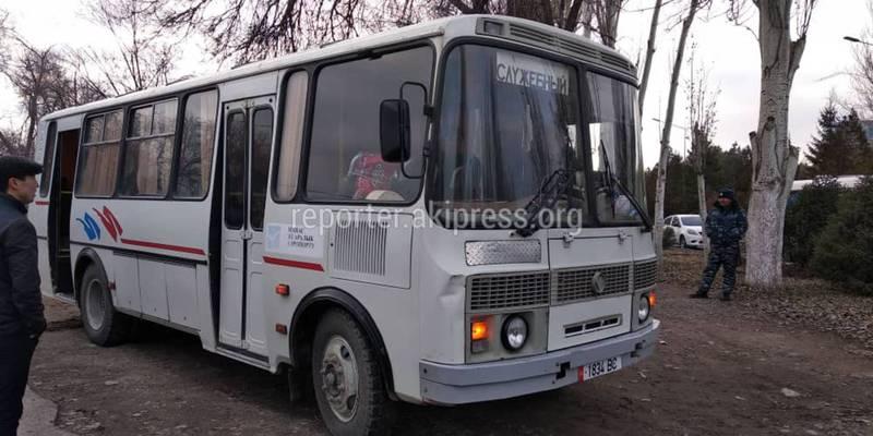 Ситуация в аэропорту Манас: Ожидающим предоставили автобусы для обогрева и туалет
