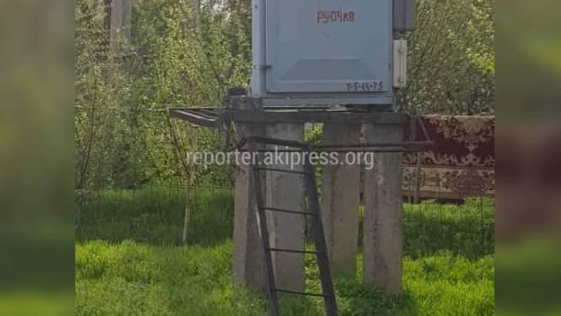 В селе Первомайское нет ограждения трансформаторной подстанции (фото)