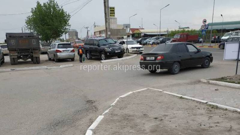 В жилмассиве Кок-Жар не доделали тротуар (фото)