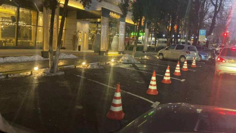 Парковка на улице Исанова работает на основе соответствующего договора, - мэрия