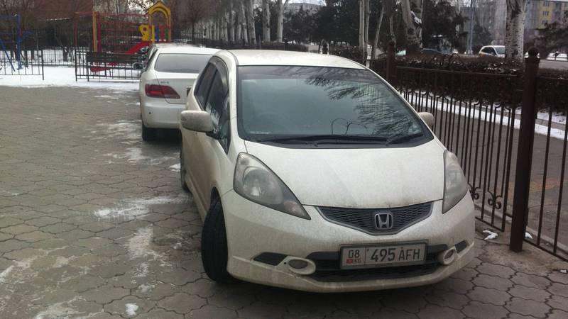 Фото — Еще один праворульный автомобиль, зарегистрированный как леворульный