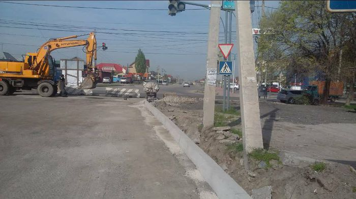 Мэрия Бишкека: Расширение дороги на участке ул.Ахунбаева не предусмотрено проектом