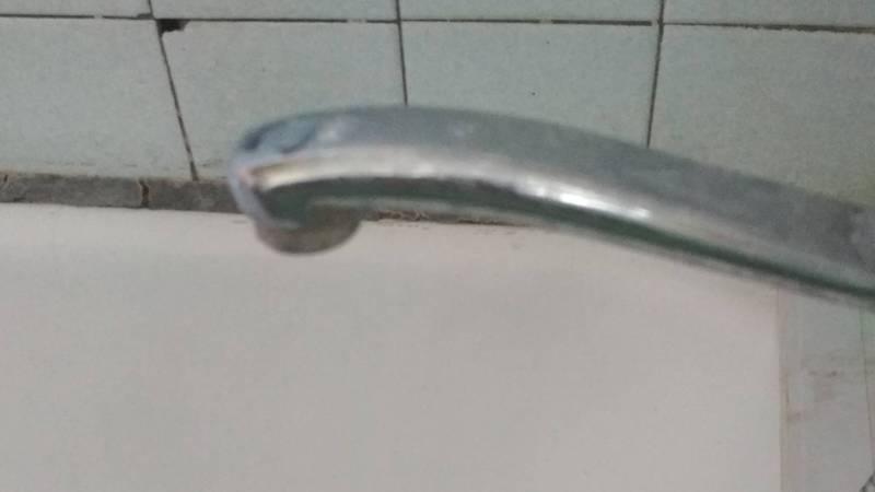 В селе Беловодское в этажных домах по улице Ленина нет питьевой воды, - местный житель